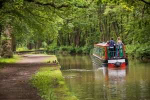 Boating holidays on the Llangollen canal